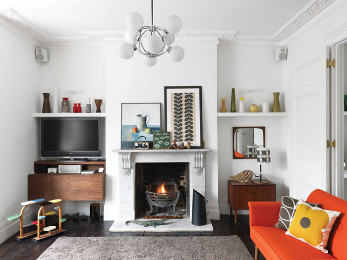 4 ways to mix modern and vintage decorating styles clair strong interior design blog for Living room antique and modern