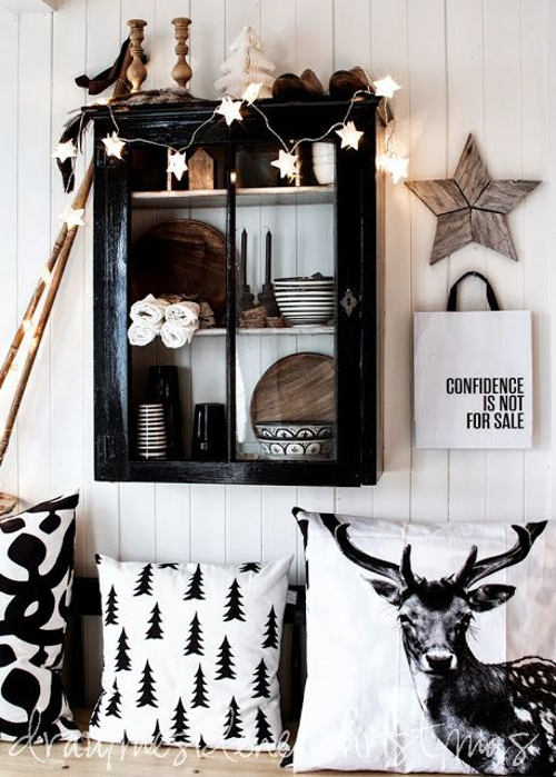 The best of modern christmas decorations clair strong Best christmas decorating blogs