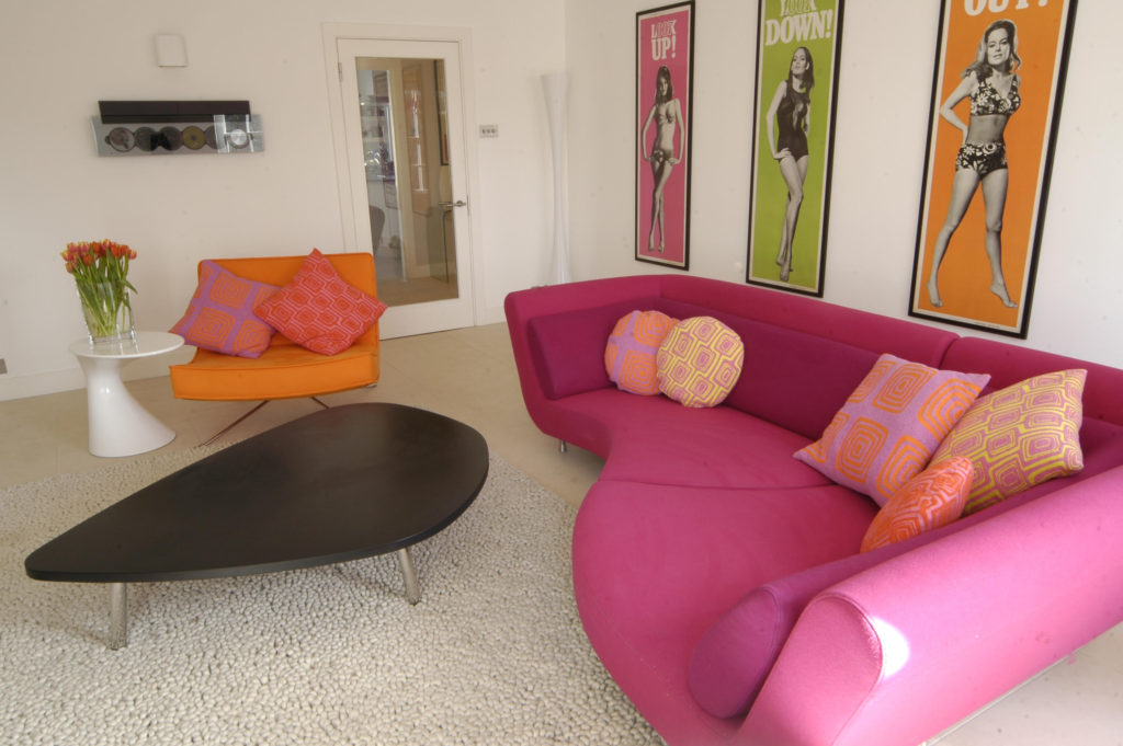 Contemporary city centre flat with a fun Sixties vibe