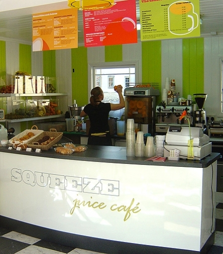 City Centre Juice And Coffee Bar On Pulteney Bridge, Bath